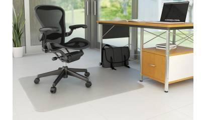 Mata pod krzesło Q-CONNECT, na podłogi twarde, kształt T, wym. 1143x1346mm, grub. 2,5mm, PVC